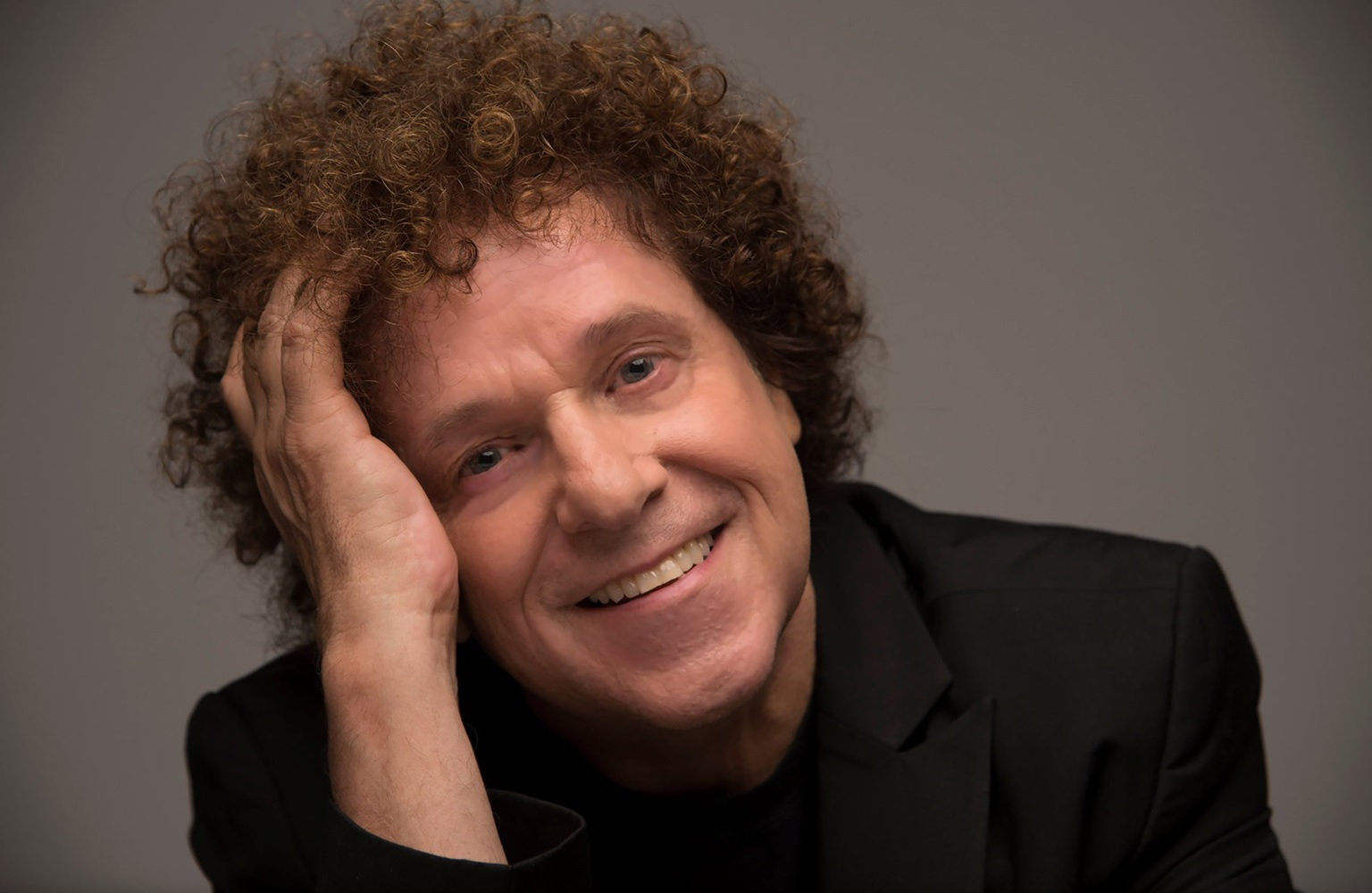 Talking Grammy Awards, Paul McCartney and that famous head of curls with pop legend, Leo Sayer